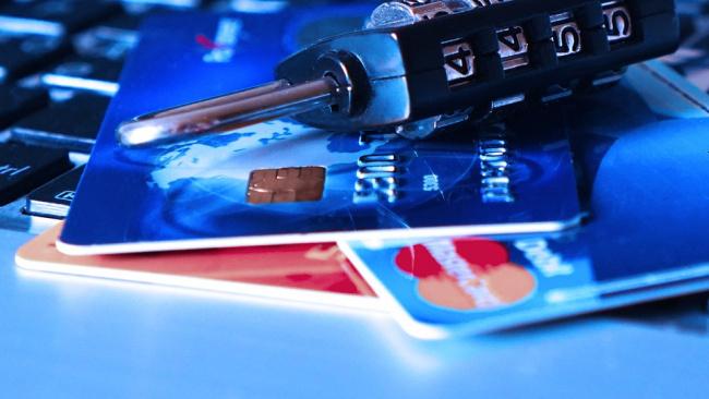 Банки сообщили о новом формате работы кибермошенников