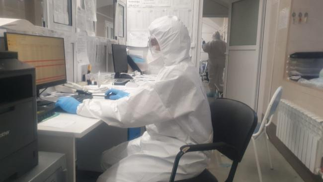Петербург получит еще 1,2 млрд руб на доплаты медикам, работающим с больными COVID-19