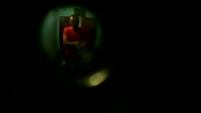 Видео: полицейский пообещал подкинуть наркотики шумному соседу