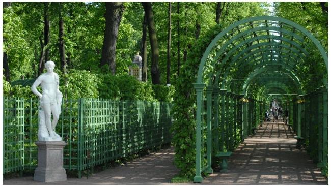 Вход в Летний сад с 1 июня будет стоить около 100 рублей