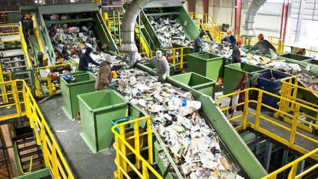 Почти половина россиян не хотят платить за утилизацию мусора