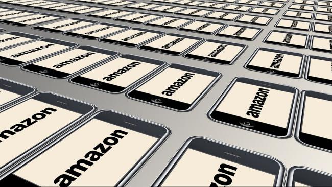 Глава Amazon стал самым богатым бизнесменом в истории