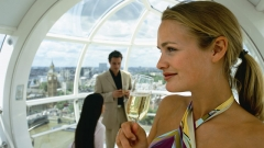 ВЦИОМ узнал, что только 66% россиян чувствуют себя счастливыми