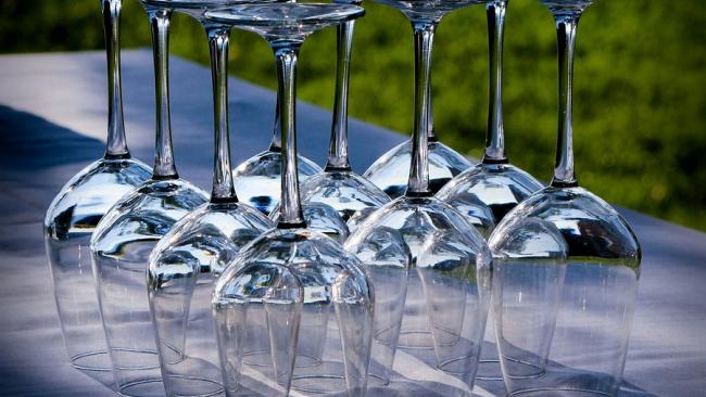 ФАС не хочет прекращать закупать иностранные вина