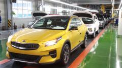 Производство легковых автомобилей в России в апреле рухнуло на 79%