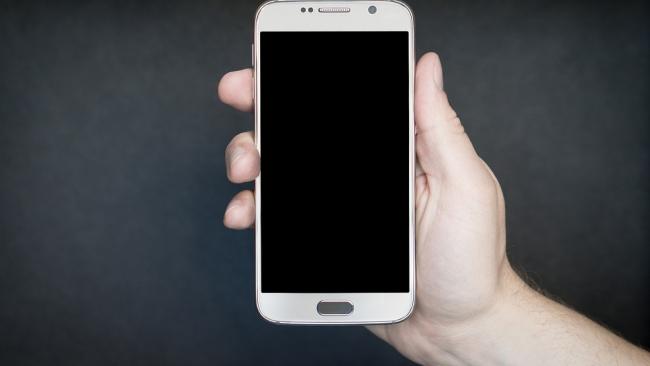 Производителей смартфонов могут обязать ставить российское ПО