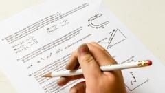 ЕГЭ: школьники будут сдавать тест в электронной форме