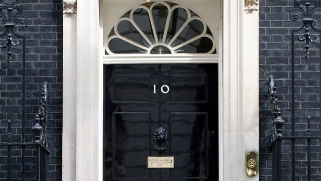 В Великобритании вводятся штрафы до 10 тысяч фунтов за нарушение самоизоляции