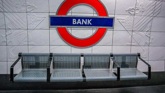 Банк Англии предупредил властей о возможном новом финансовом кризисе