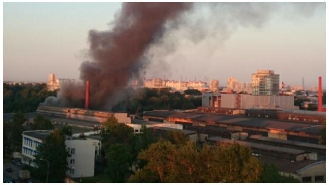 Крупный пожар на территории лакокрасочного завода в Невском районе потушен