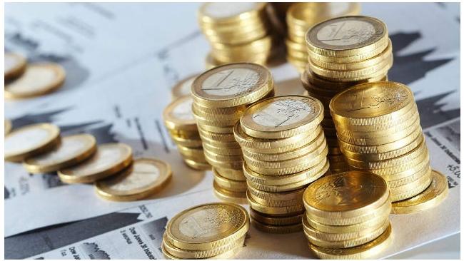 Курс евро опустился на бирже ниже 65 рублей