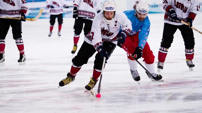 Чемпионат мира по хоккею с мячом перенесен на октябрь