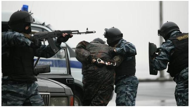 Восемь человек ограбили бизнеследи из Китая в её петербургской квартире