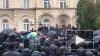 В Абхазии протестующие украли из администрации президента ...