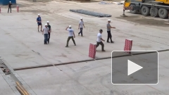 Строители провели первый футбольный матч на «Зенит-Арене»