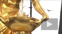 В Петергофе - лету быть! Северный Версаль запустил фонтаны, несмотря на погоду