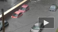 Москву затопило: под воду ушли несколько автомобилей