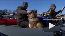 Более 200 рыбацких лодок прошли по Неве и центральным каналам Петербурга