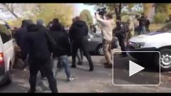 Украинские националисты прорвались через блокпосты в Донбасс