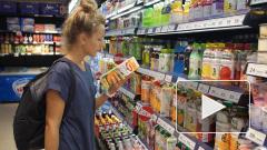 Магазины несут огромные издержки из-за ажиотажного спроса