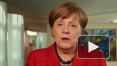 Меркель упала во время конференции в Берлине
