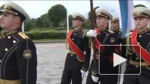 Молодые офицеры -  будущее военно-морского флота