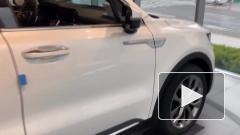 Kia представила обновленную версию кроссовера Sorento