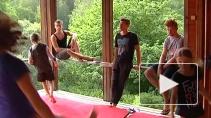 Ни дня без тренировок. Как готовят будущих артистов в летнем лагере Упсала-Цирка