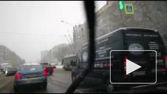 Видео: скорая помощь попала в ДТП на Светлановском