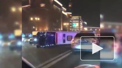 В Москве перевернулась машина Скорой помощи