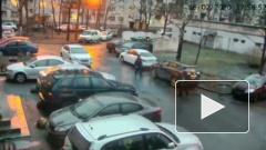 На Просвещения толпа с битами напала на петербуржца