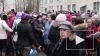 Жители Колпино вышли на стихийный митинг у здания ...
