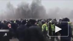 Захарова оценила протесты на Украине из-за эвакуации из КНР