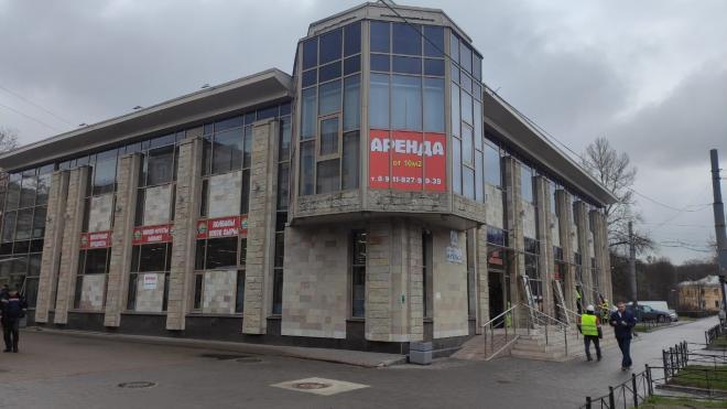 Незаконный бизнес-центр снесли на проспекте Энгельса
