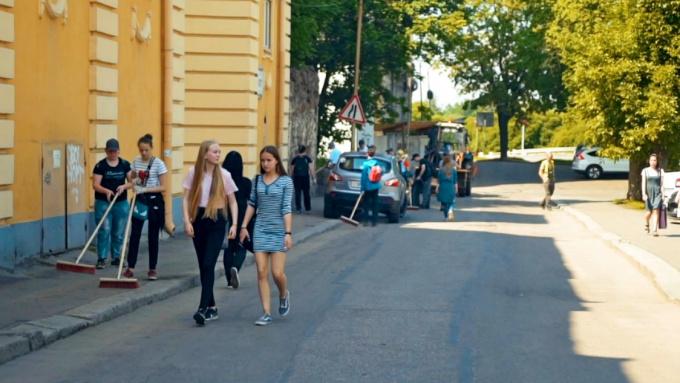 Летние трудовые бригады подростков в Выборге