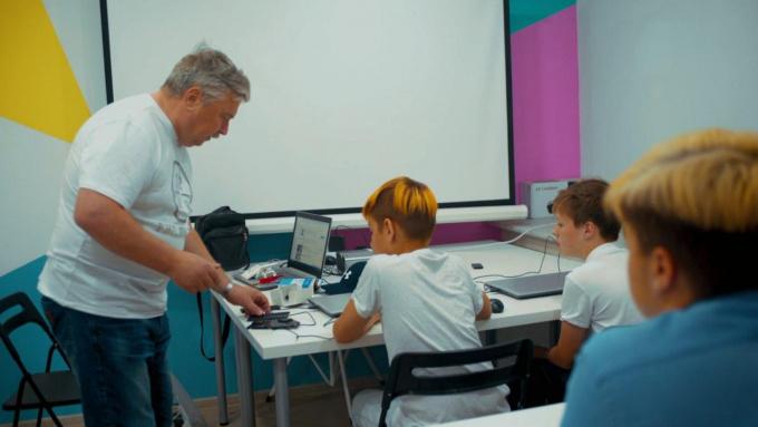 Центр молодежного инновационного творчества приглашает школьников и студентов реализовать свои идеи