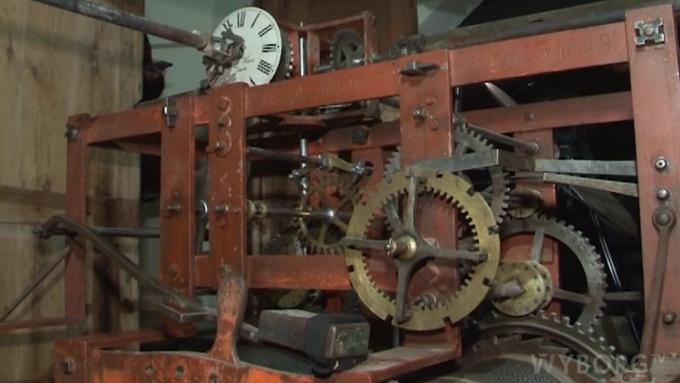 Механизм часов на Часовой башне Выборга