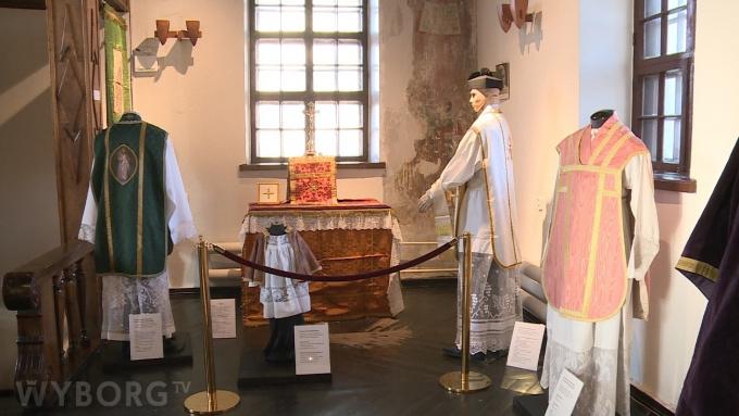 Выставка история католичества в костеле Гиацинта в Выборге