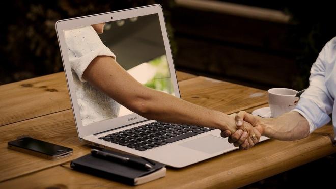 Для жителей Петербурга открылся онлайн-бар