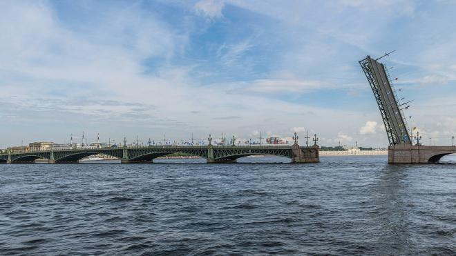 Троицкий мост будут разводить по его привычному графику
