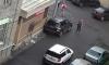 Ночью на Стачек автомобиль врезался в магазин, водитель убежал с места происшествия