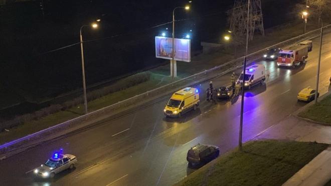 На Белградской столкнулись два автомобиля. Пострадали мужчина и школьница
