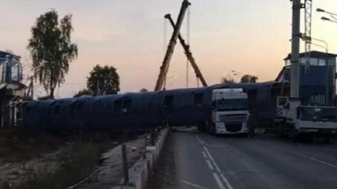 В Подмосковье на трассе А-107 обрушился надземный пешеходный мост