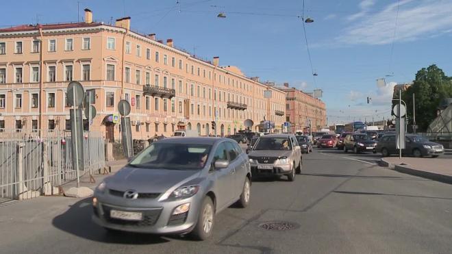 Деньги в ямы: депутаты ЗакСа выделят на ремонт дорог еще 1.5 млрд рублей