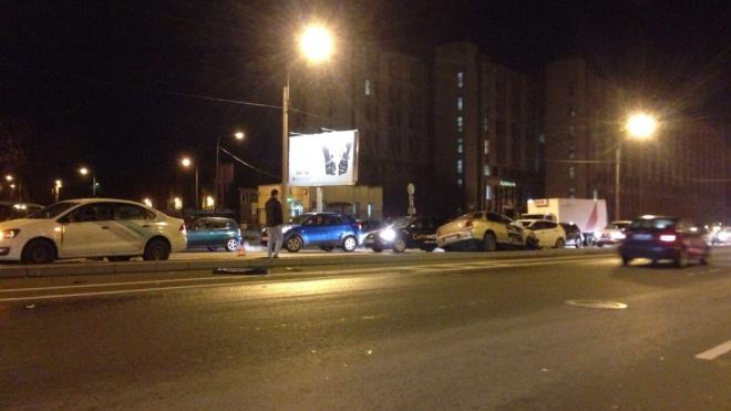 Семь машин столкнулись на Зольной улице