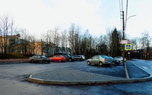 На улице Октябрьской в Выборге построили парковку