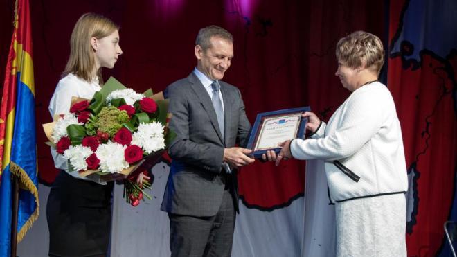 Жителей Выборгского района наградили за вклад в развитие Ленинградской области
