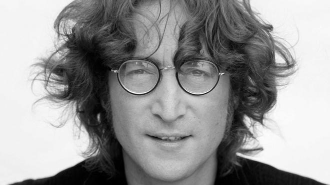 Фортепиано Джона Леннона продали на аукционе