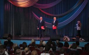 Администрация Выборгского района поздравила с 75-летием школу №7