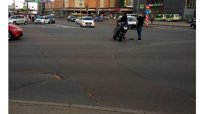 """Около метро """"Ладожская"""" сбили молодого человека"""